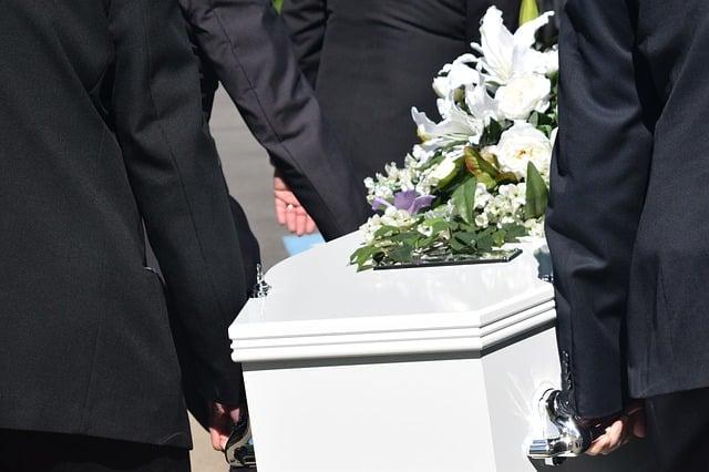 rembourser les frais d'obsèques
